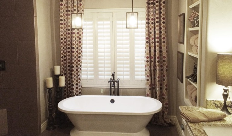 Polywood Shutters in Detroit Bathroom