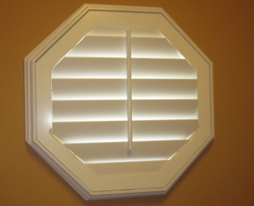 Detroit octagon window shutter